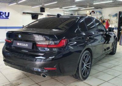 BMW 318 — антихром решетки, тонировка лобового стекла LLumar,бронирование фар пленкой Stek с затемнением, рамки на магнитах