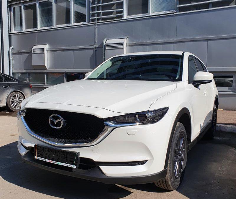 Mazda CX5 — тонировка стекол LLumar 85% затемнения, установили охранный комплекс StarLine A93, бронирование полиуретаном