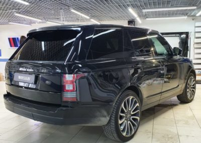 Тонировка стекол автомобиля Range Rover Sport  — задние стекла LLumar 95%, боковые стекла LLumar 65%