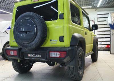 Suzuki Jimny  — бронирование пленкой Hexis фар, крыльев и капота, стоек лобового стекла, вокруг решётки радиатора