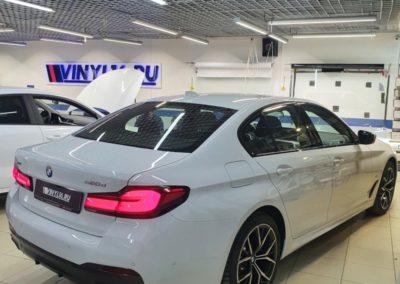 BMW 5 серии — бронирование полиуретановой пленкой, тонировка задних стекол LLumar 95, тонировка боковых LLumar 50