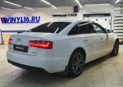 Затонировали заднюю полусферу плёнкой LLumar 95% на Audi A6