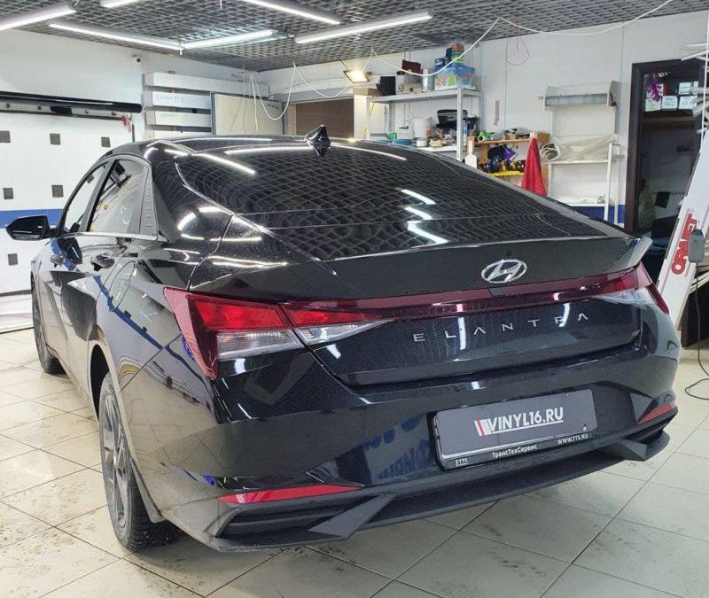 Тонировка задних стекол автомобиля Hyundai Elantra пленкой Llumar