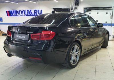 Тонировка стекол автомобиля BMW 320 пленкой Llumar 95%