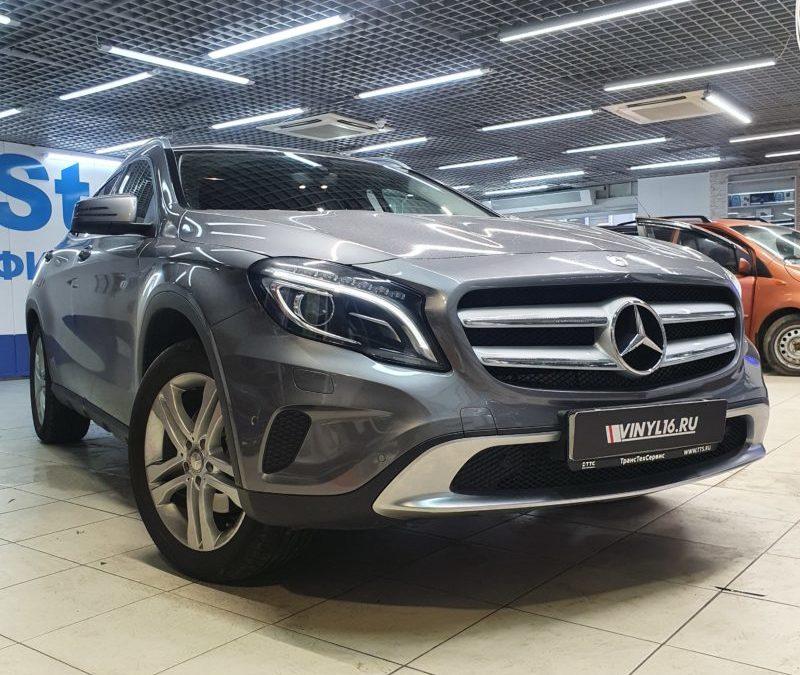 Mercedes GLA — тонировка стекол автомобиля пленкой Shadow Guard 95