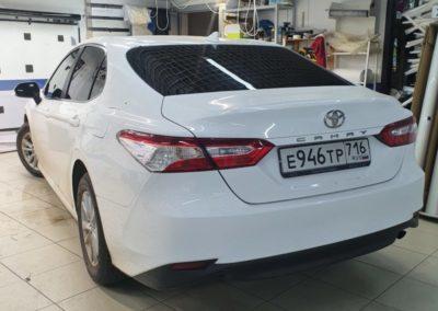 Toyota Camry — тонировка задних стекол автомобиля пленкой Global 95%, передние стекла затонировали пленкой Shadow Guard 50%