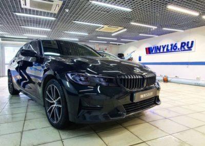 Оклеили решетку радиатора в черный глянец, оптика пленка Stek, тонировка Llumar — BMW 320