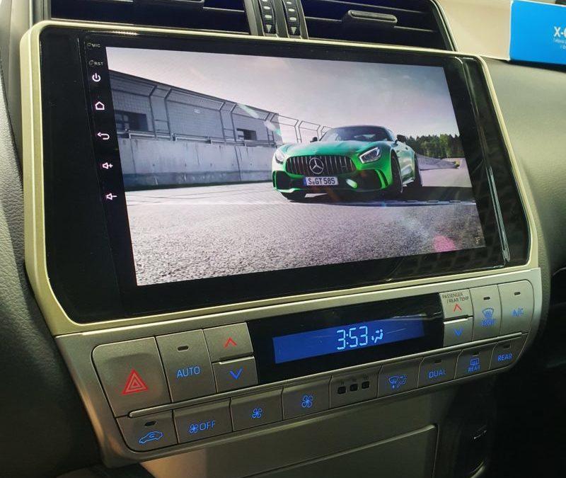 Land Cruiser Prado — установка мультимедиа Android с камерой заднего вида, скрытая проводка комбо устройства, бронирование полиуретановой пленкой капота, ручек, фар и крыши
