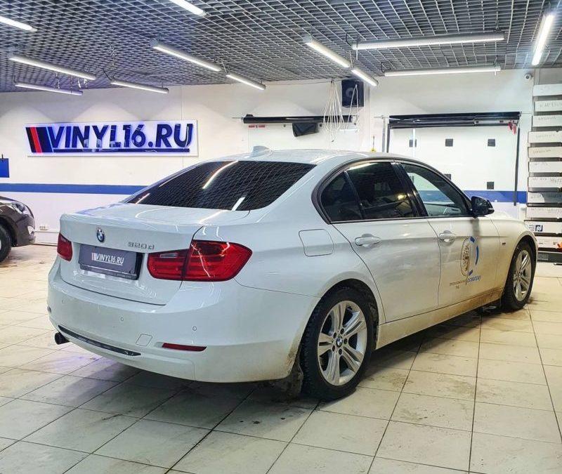 BMW 320D — затонировали заднюю полусферу премиальной плёнкой LLumar 95% затемнения