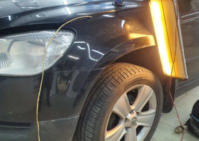 Ремонт вмятины без покраски на крыле автомобиля Skoda Yeti