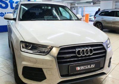 Audi Q3 — демонтаж пленки на фарах и бронирование фар новой полиуретановой пленкой