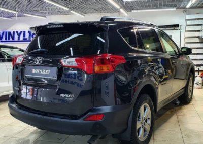 Тонировка стекол автомобиля Toyota Rav 4 пленкой Llumar