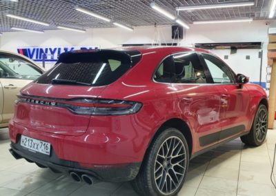 Porsche Macan — тонировка стекол автомобиля пленкой LLumar 85%
